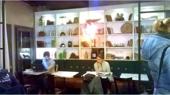 落ち着ける北欧デザインがアットホームなCityCentre店内のインテリア