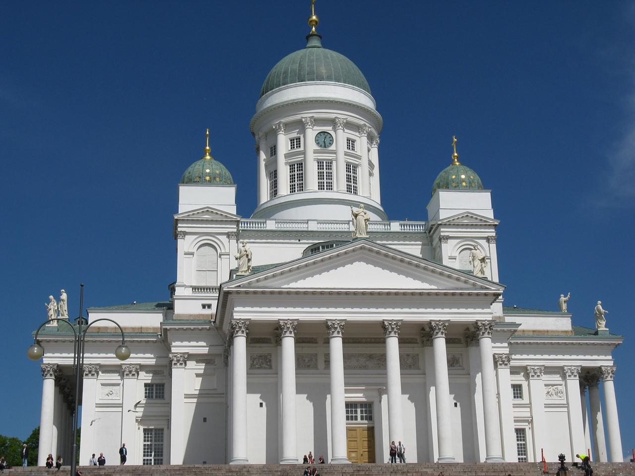ヘルシンキに来たら、まず訪れてみたい ヘルシンキ大聖堂