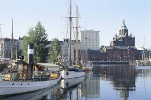 トーベ・ヤンソンが生まれ育ったカタヤノッカ地区を見守る、ウスペンスキー寺院(画像提供:City of Helsinki Media Bank)