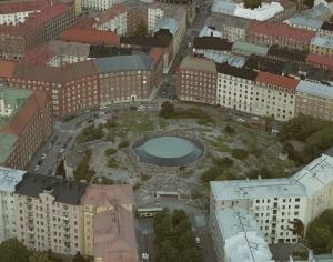 真上から見ると見事に岩の真ん中がくり抜かれているのが一目瞭然のテンッペリアウキオ教会(画像提供:City of Helsinki Media Bank)